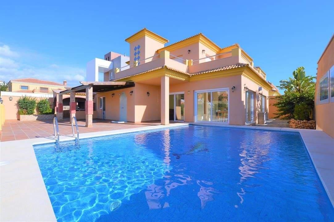 7 bedroom Villa for sale in Benalmadena - € 725,000 (Ref: 4109786)