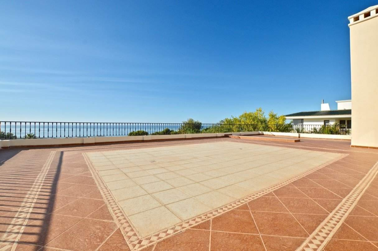 8 bedroom Villa for sale in Marbella - € 5,000,000 (Ref: 4109816)