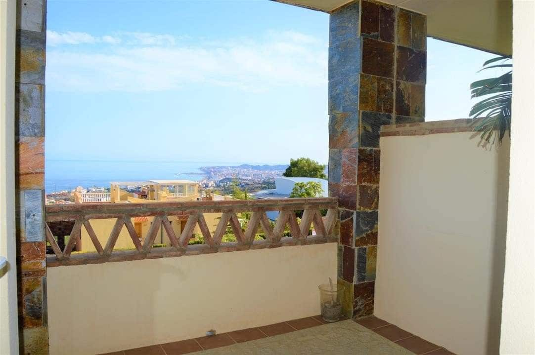2 bedroom Apartment for sale in Benalmadena - € 250,000 (Ref: 4110037)