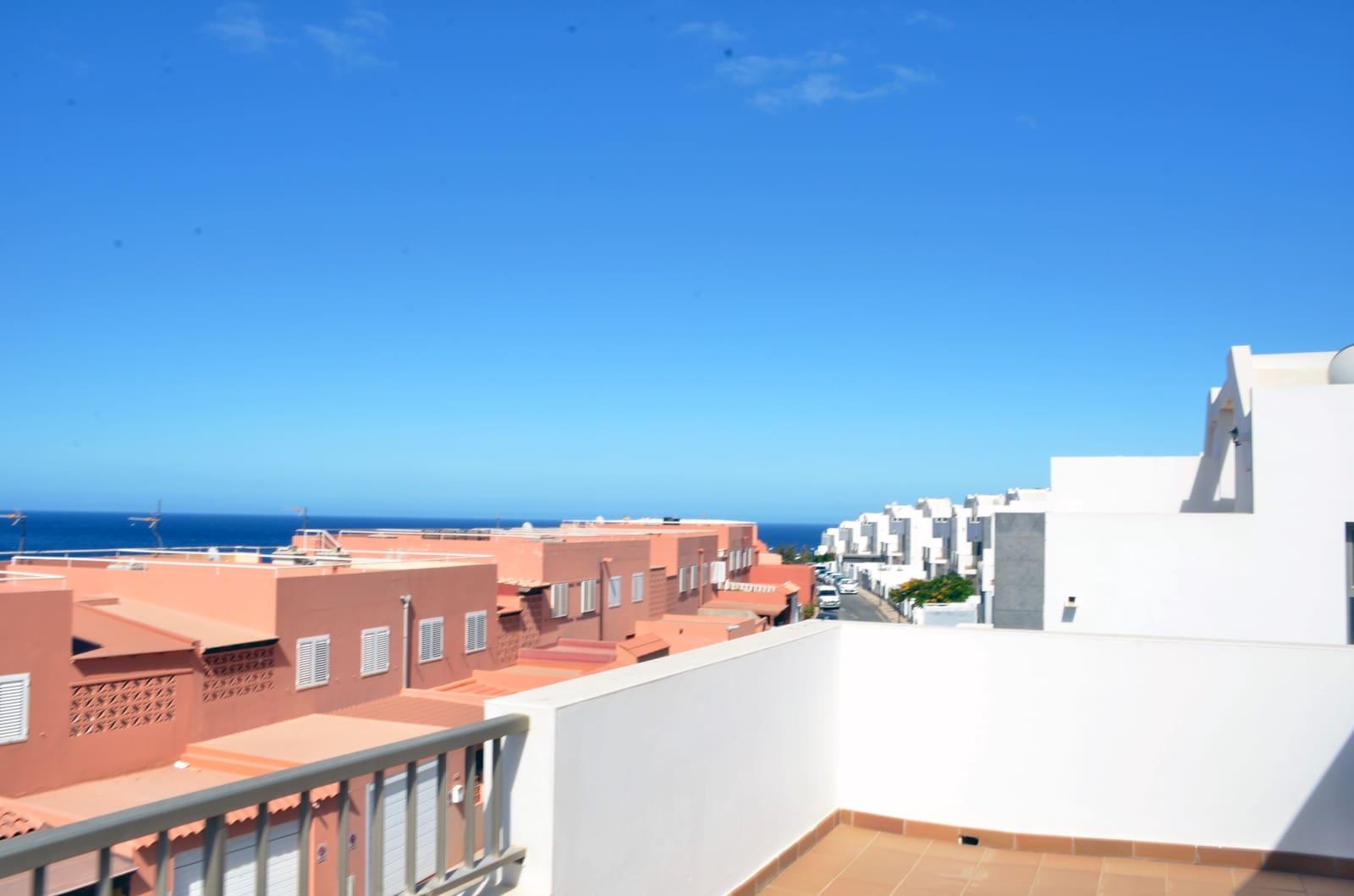 3 soveværelse Byhus til salg i Puerto del Rosario - € 275.000 (Ref: 6231206)