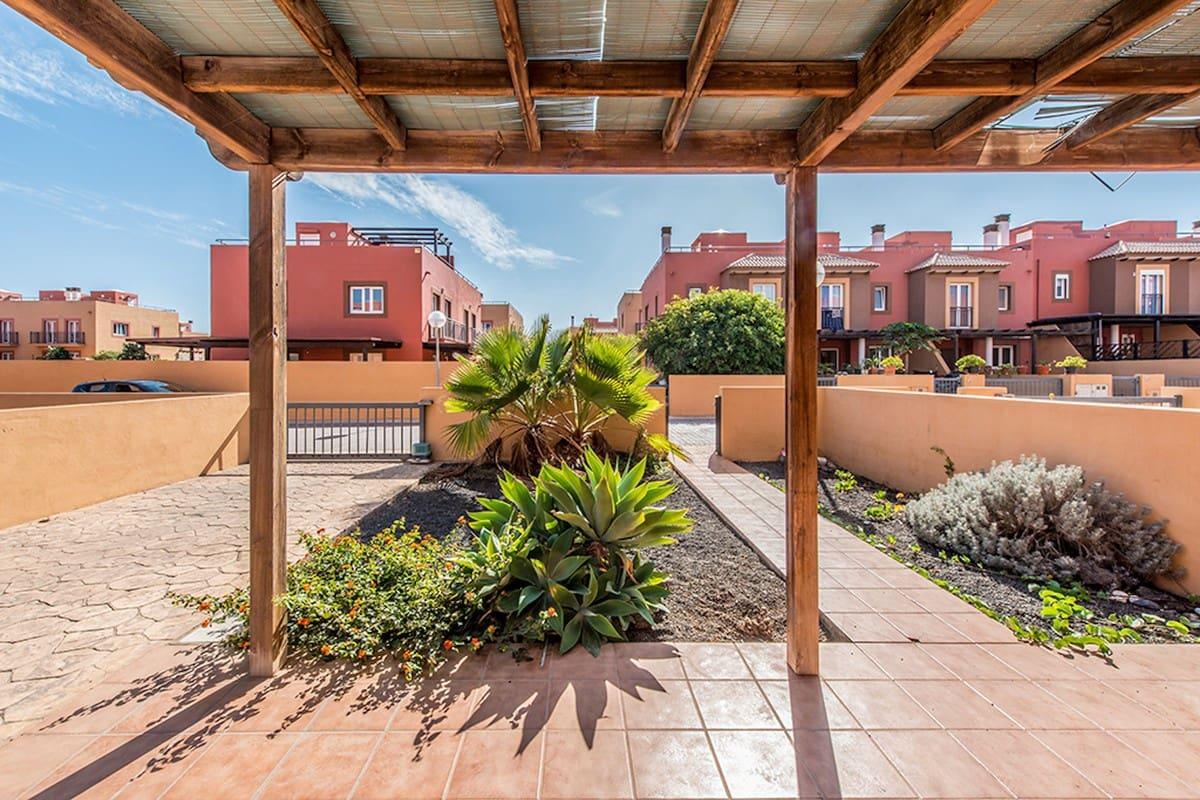 3 soveværelse Byhus til salg i Corralejo med swimmingpool - € 148.500 (Ref: 6238040)