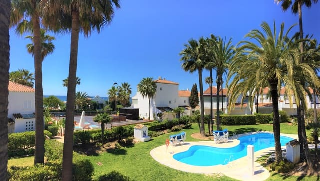 3 bedroom Terraced Villa for holiday rental in Marbella with pool garage - € 1,750 (Ref: 5928805)