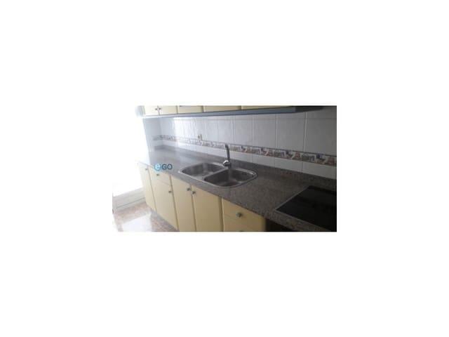 3 soveværelse Lejlighed til leje i Ares (Pontedeume) - € 1.200 (Ref: 5407786)