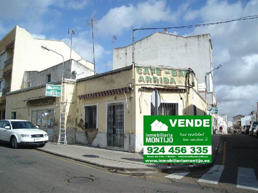 Villa til salgs i Montijo - € 160 000 (Ref: 3673061)