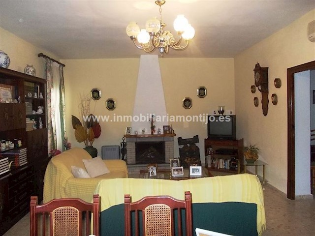 6 soverom Villa til salgs i Puebla de la Calzada - € 170 000 (Ref: 3702032)