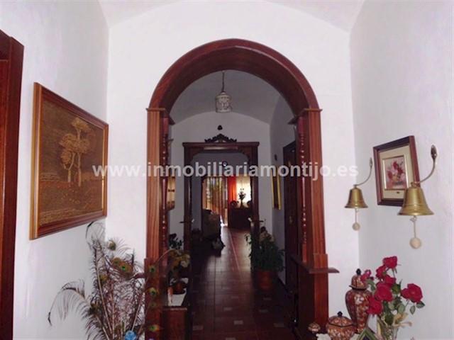 4 Zimmer Villa zu verkaufen in Lobon - 130.000 € (Ref: 3702043)