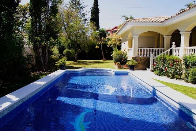 6 soverom Villa til salgs i Guadalmina med svømmebasseng garasje - € 2 100 (Ref: 3927364)