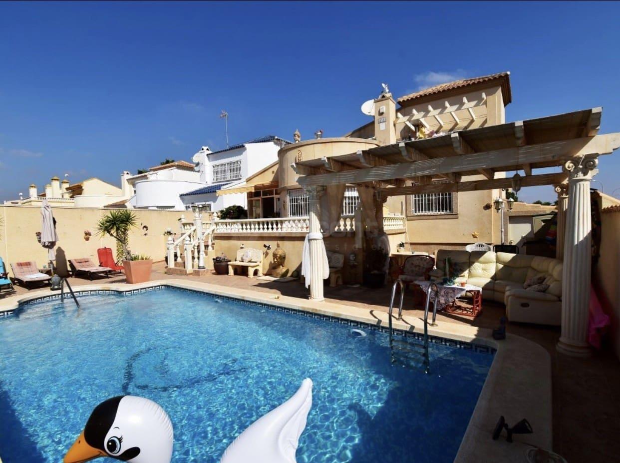 Chalet de 3 habitaciones en Playa Flamenca en venta con piscina - 285.000 € (Ref: 4743037)