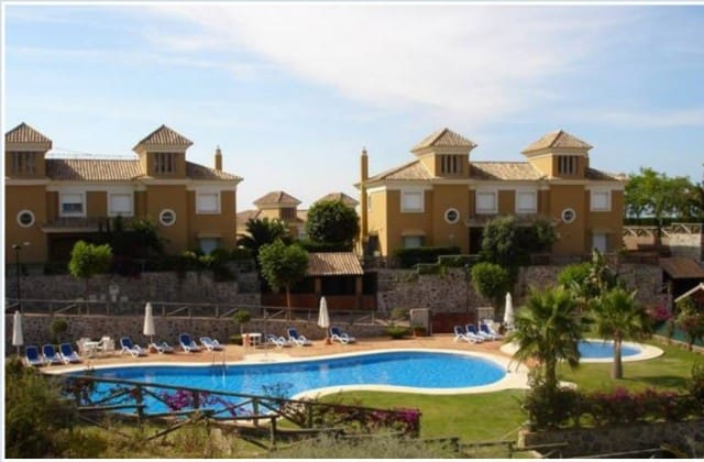 3 bedroom Townhouse for sale in Marbella with pool garage - € 495,000 (Ref: 4335576)