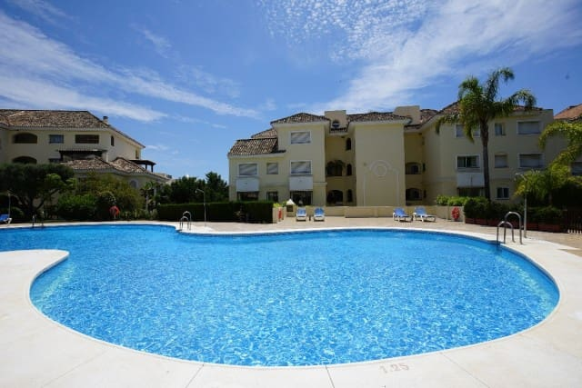 2 bedroom Apartment for sale in Marbella with pool garage - € 420,000 (Ref: 4335592)