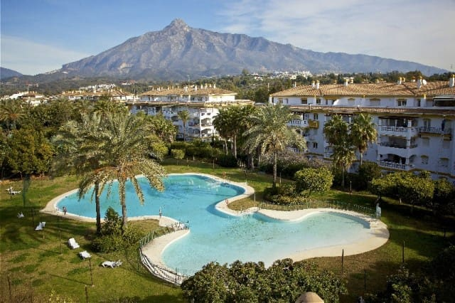 2 bedroom Apartment for sale in Marbella with pool garage - € 349,556 (Ref: 4335622)