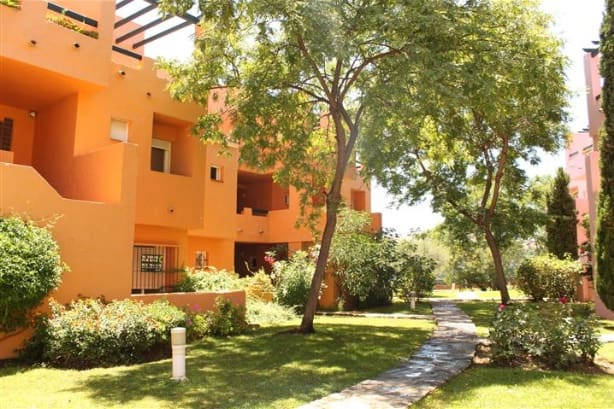 4 bedroom Apartment for sale in Marbella with pool garage - € 325,000 (Ref: 4335642)