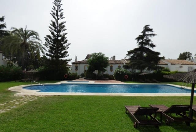 3 bedroom Townhouse for sale in Marbella with pool garage - € 260,000 (Ref: 4335735)