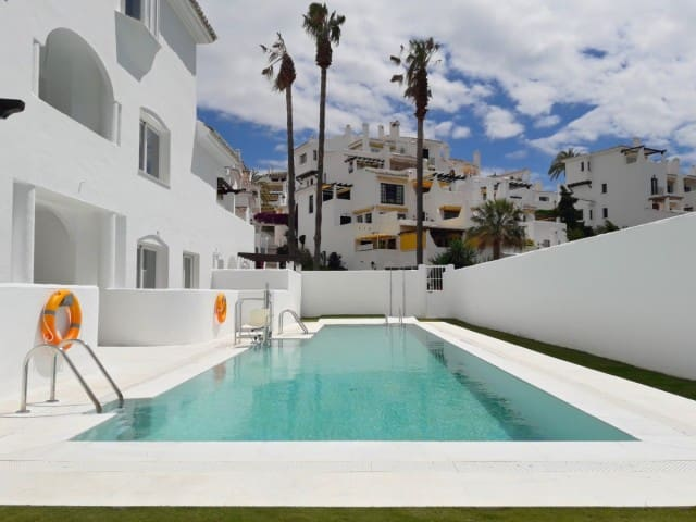 1 bedroom Apartment for sale in Marbella with pool garage - € 200,000 (Ref: 4335874)
