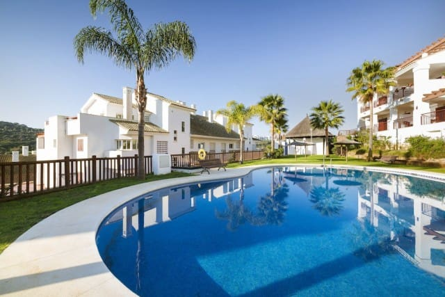 2 bedroom Apartment for sale in Marbella with pool garage - € 189,300 (Ref: 4335910)
