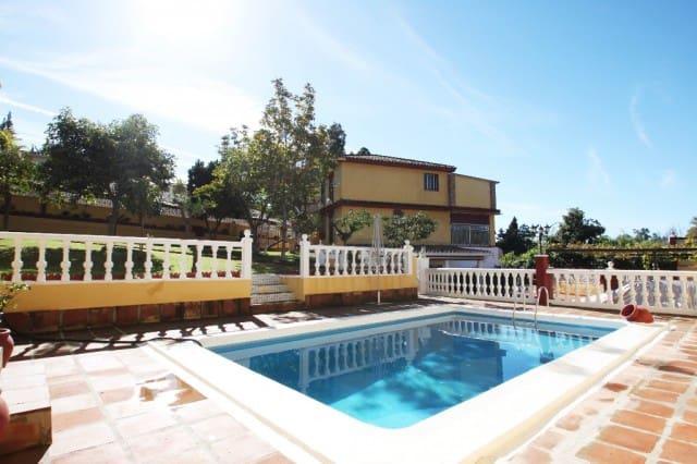 6 bedroom Villa for sale in Marbella with pool garage - € 750,000 (Ref: 4428439)