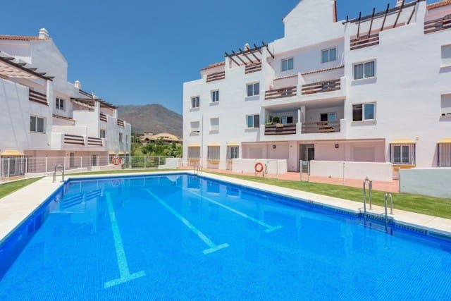 2 bedroom Apartment for sale in Marbella with pool garage - € 94,000 (Ref: 4999432)