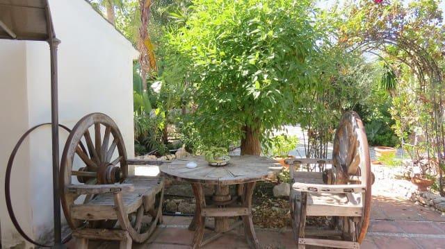 4 bedroom Villa for sale in Marbella with pool garage - € 895,000 (Ref: 4999469)