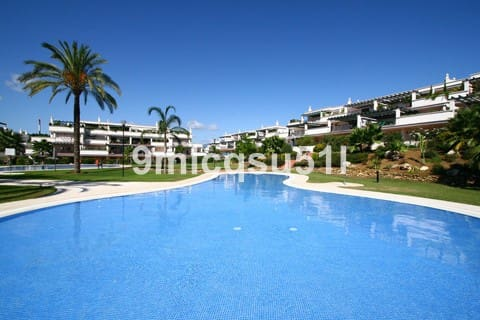2 bedroom Apartment for sale in Marbella with pool garage - € 270,000 (Ref: 5003907)