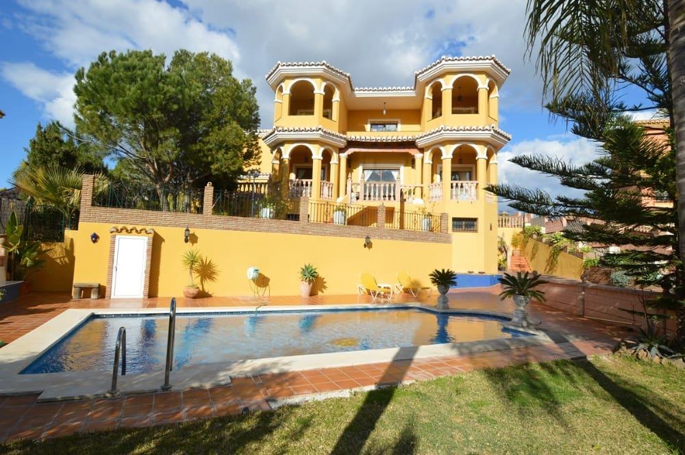 5 Zimmer Villa zu verkaufen in La Sierrezuela mit Pool Garage - 780.000 € (Ref: 3102042)
