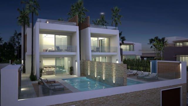 3 makuuhuone Huvila myytävänä paikassa Riviera del Sol mukana uima-altaan  autotalli - 725 000 € (Ref: 4380704)