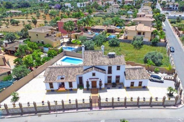4 soveværelse Villa til salg i Alhaurin el Grande med garage - € 500.000 (Ref: 4444006)