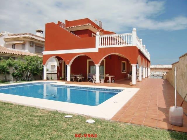 Chalet de 3 habitaciones en La Sierrezuela en venta con piscina - 753.000 € (Ref: 4648426)