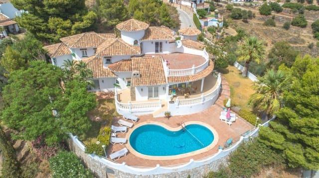 4 soveværelse Villa til salg i Mijas med swimmingpool garage - € 825.000 (Ref: 4726018)