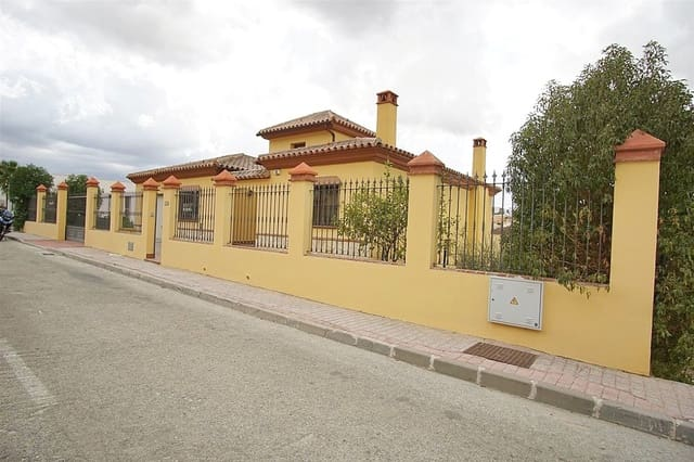 5 soveværelse Villa til salg i Coin med swimmingpool garage - € 340.000 (Ref: 4783981)