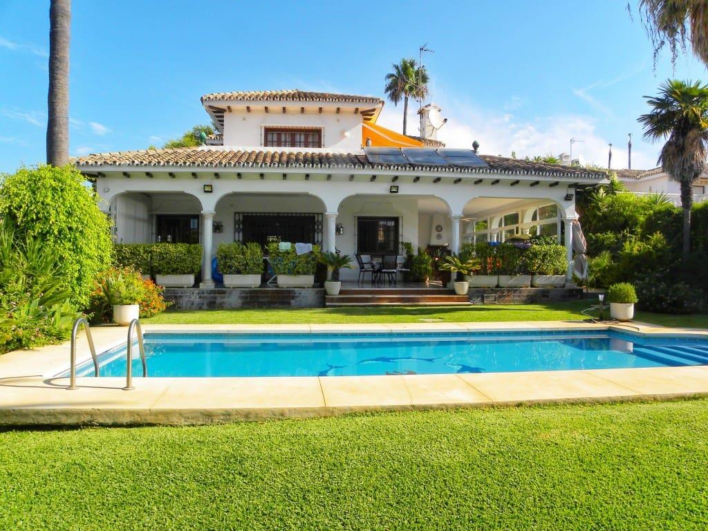 4 Zimmer Villa zu verkaufen in San Pedro de Alcantara mit Pool Garage - 1.400.000 € (Ref: 4820042)