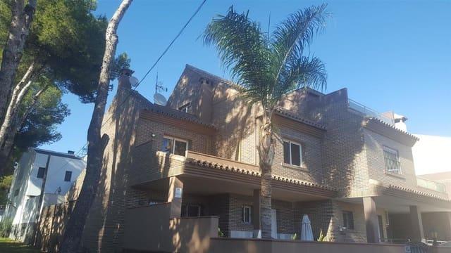 4 chambre Villa/Maison Mitoyenne à vendre à El Coto avec piscine garage - 450 000 € (Ref: 4833697)