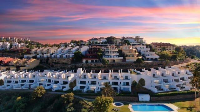 Casa de 3 habitaciones en Marbella del Este en venta con piscina - 360.000 € (Ref: 5389985)