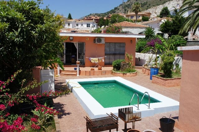 3 bedroom Bungalow for sale in Benalmadena with pool - € 425,000 (Ref: 5391057)