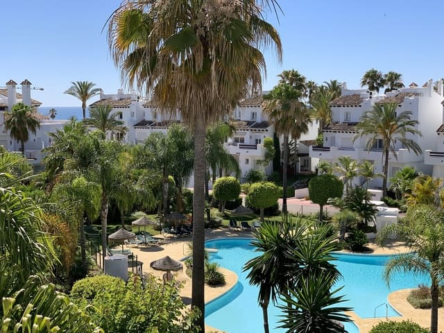 4 bedroom Townhouse for sale in Playa de Cancelada with pool garage - € 750,000 (Ref: 5396386)