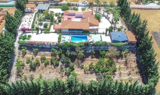 6 soveværelse Finca/Landehus til salg i Alhaurin de la Torre med swimmingpool garage - € 530.000 (Ref: 5532089)