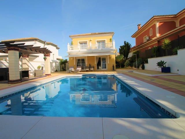 4 makuuhuone Huvila myytävänä paikassa Alhaurin de la Torre mukana uima-altaan  autotalli - 470 000 € (Ref: 6114873)