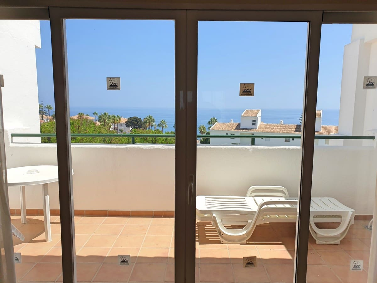 1 bedroom Apartment for sale in Fuengirola with pool - € 155,000 (Ref: 5540184)