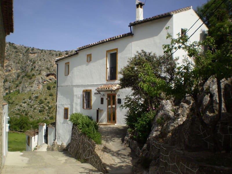 3 soveværelse Villa til salg i Montejaque med swimmingpool - € 239.000 (Ref: 4056355)