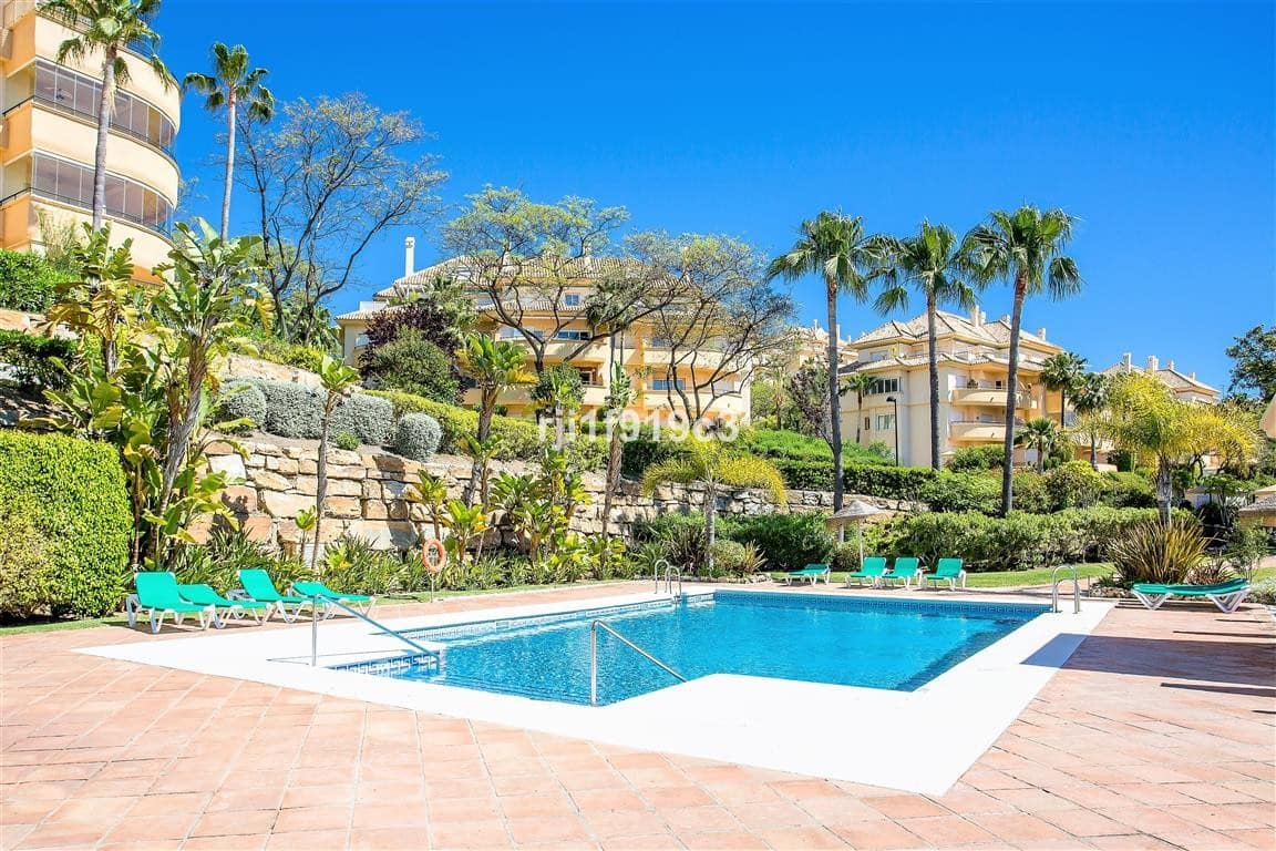 2 bedroom Apartment for sale in Marbella with pool garage - € 368,000 (Ref: 4625658)