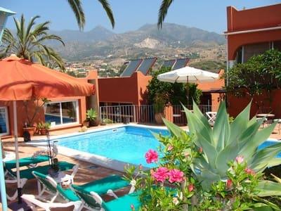 Hotel de 7 habitaciones en Marbella en venta con piscina - 1.500.000 € (Ref: 5352243)