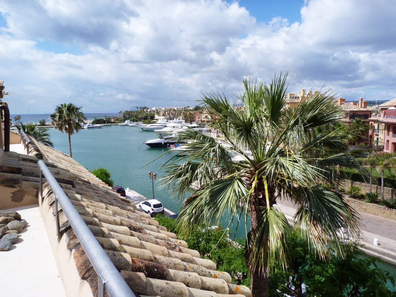 Ático de 2 habitaciones en Sotogrande en venta - 320.000 € (Ref: 5352321)