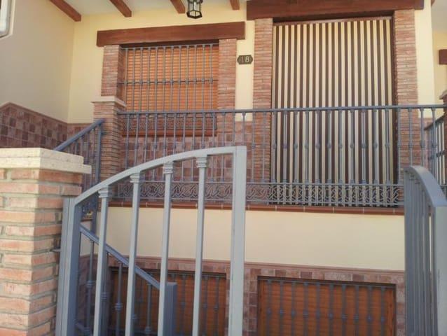 Adosado de 6 habitaciones en Alhama de Granada en venta - 270.000 € (Ref: 3125712)