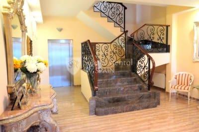 6 bedroom Villa for sale in Santa Susanna with pool garage - € 850,000 (Ref: 3391238)