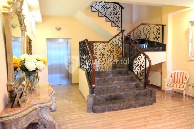 6 soverom Villa til salgs i Santa Susanna med svømmebasseng garasje - € 850 000 (Ref: 3391238)