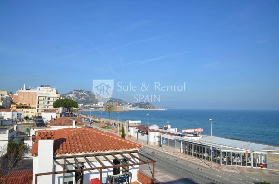 5 bedroom Villa for sale in Blanes with garage - € 550,000 (Ref: 3964322)