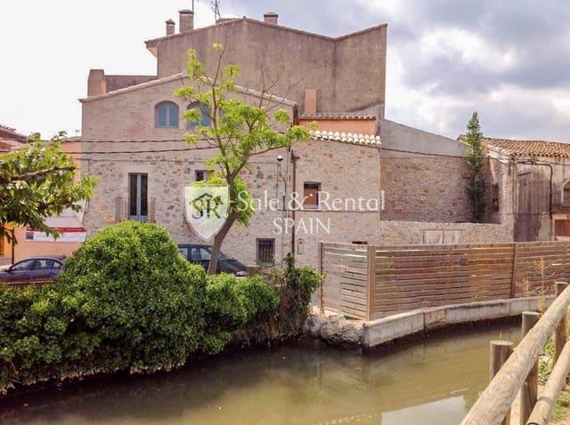 Chalet de 3 habitaciones en Bellcaire d'Empordà en venta con piscina garaje - 675.000 € (Ref: 4994003)