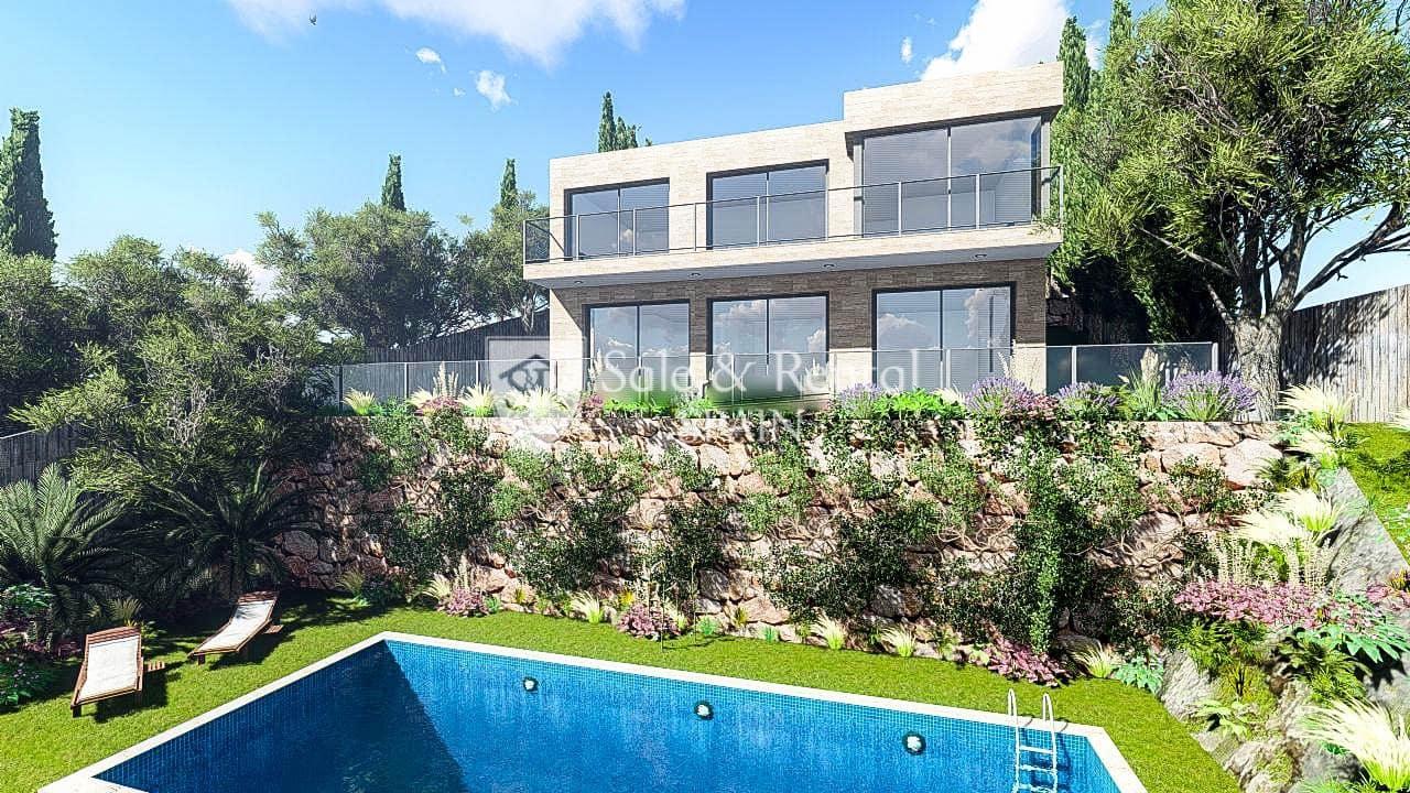 Chalet de 4 habitaciones en Lloret de Mar en venta con piscina garaje - 640.000 € (Ref: 5621567)