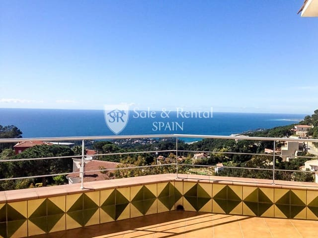 6 bedroom Villa for sale in Lloret de Mar with pool garage - € 550,000 (Ref: 5949611)