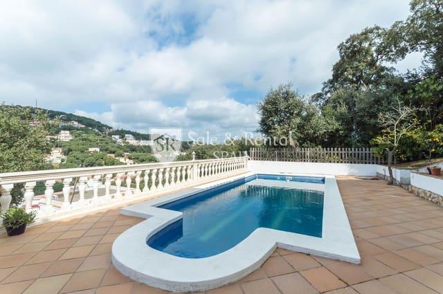 Chalet de 4 habitaciones en Lloret de Mar en venta con piscina garaje - 250.000 € (Ref: 5980672)