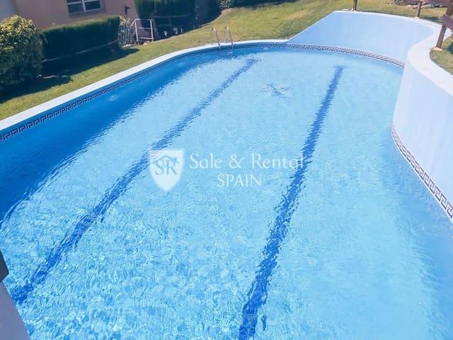4 soverom Kjedet enebolig til salgs i Santa Susanna med svømmebasseng garasje - € 265 000 (Ref: 6355256)